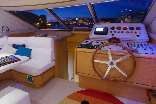 Luxury captain cabin